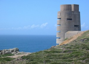 800px-German_World_War_II_tower_Jersey