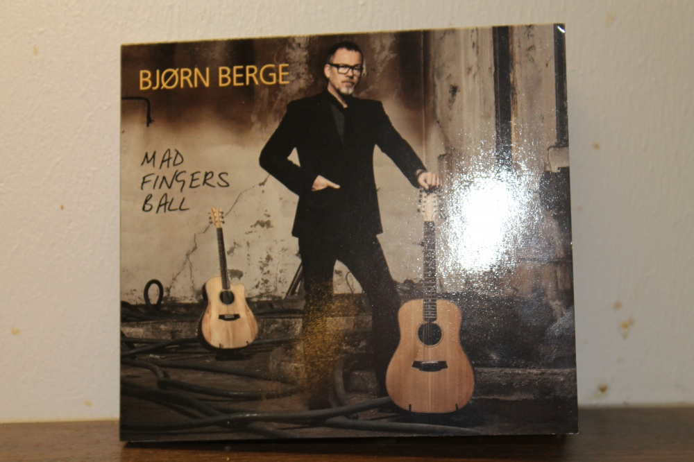 BJØRN BERGE : MAD FINGERS BALL