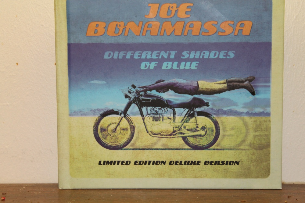 Joe Bonamassa : Different shades of blue