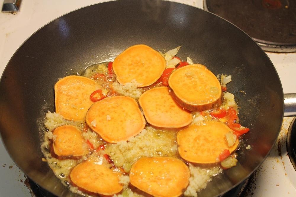 Søtpoteter i wok