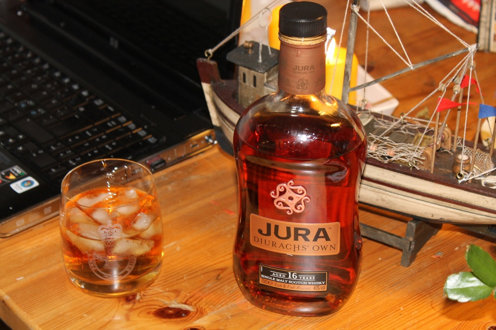 Maltwhisky passer til kos når en jobber.