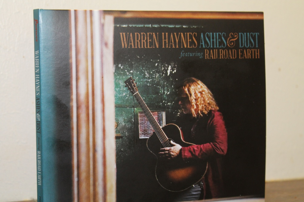 WARREN HAYNES : ASHES & DUST  featuring BAD ROAD EARTH