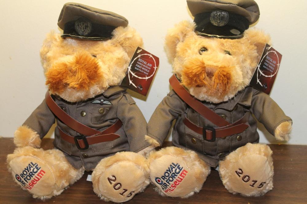 Teddybjørner i uniform fra RFC fra første verdenskrig