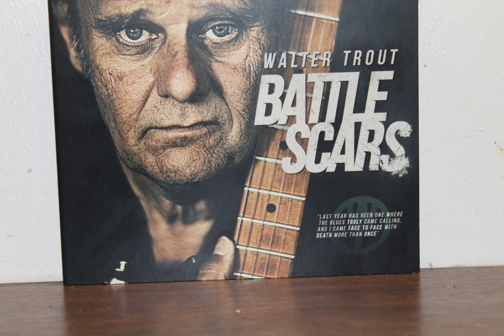 WALTER TROUT :  BATTLE SCARS
