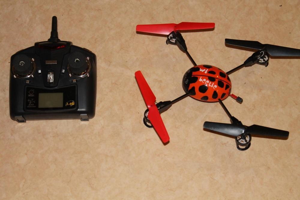 Fjernstyrt helikopterdrone