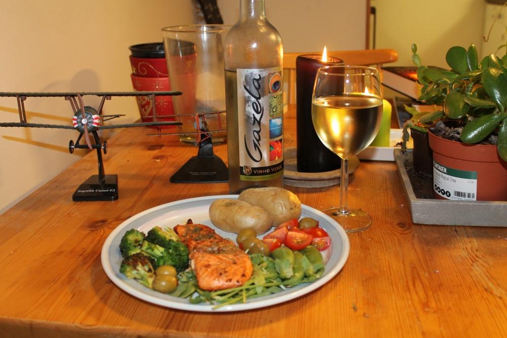 Ørretfilet med potet,ruccola,cherrytomat,oliven